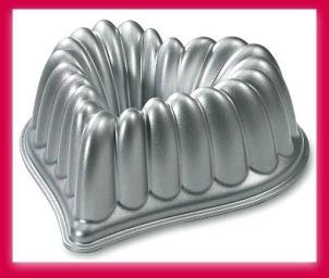 Nordic Ware heart shaped bundt cake pan