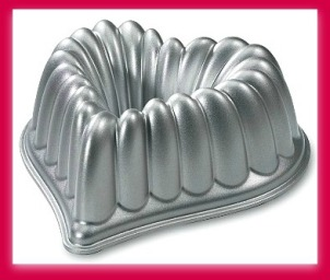 Nordic Ware heart shaped bundt cake pan
