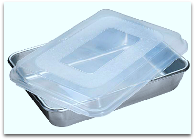 Nordic Ware Rectangular Cake pan with plastic lid