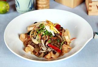A dish of Filipino food